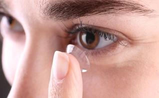 É preciso aprender a usar lentes de contato da forma mais correta possível. (Foto: Shutterstock)