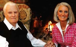 Billy Graham ao lado de sua filha, a escritora e também evangelista Anne Graham Lotz