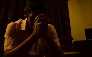 Nalaka afirma que as pessoas que enfrentam problemas com drogas precisam de paciência e aceitação. (Foto: Reprodução).