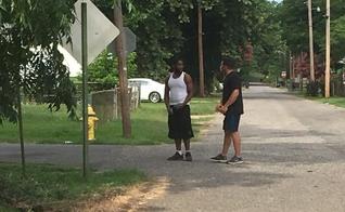 Tony Thornton andou pelas ruas para orar e evangelizar pessoas em seu caminho. (Foto: Arquivo pessoal)
