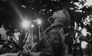 """""""Em Casa"""" é o primeiro álbum digital de Fernandinho, que mais uma vez traz mensagens e reflexões. (Foto: Divulgação)"""