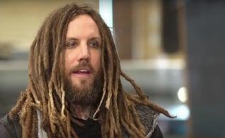 """Brian """"Head"""" Welch voltou a ser guitarrista do Korn em 2013. (Foto: Reprodução)"""