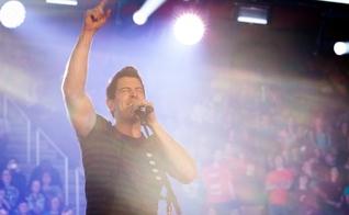 """Jeremy Camp é o autor de sucessos como """"I Still Believe"""" e """"Walk by Faith"""". (Foto: Eric Brown)"""