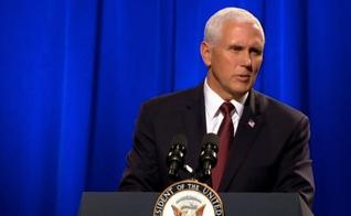 Mike Pence fala em favor dos cristãos perseguidos. (Foto: The Christian Broadcasting Network)
