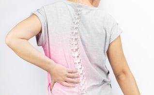 Médico explica causas e tratamentos da doença que afeta a coluna. (Foto: Reprodução)