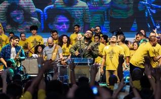 """Eli Soares foi um dos que liderou milhares de jovens em momentos de louvor no evento Eli Soares - """"Juventude Paulistana - Festival de Arte e Cidadania"""". (Foto: Divulgação)"""