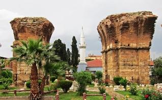 Ruínas da igreja de Filadélfia em Alasehir, na Turquia. (Foto: Romania Missions)