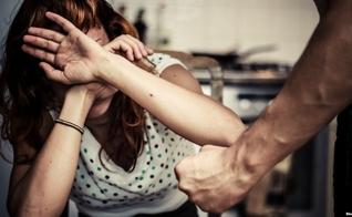 A pornografia contribui para o aumento da violência e dos divórcios nos lares, segundo pesquisador cristão. (Foto: Shutterstock)