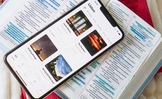 O aplicativo auxilia cristãos na rotina de adoração através de reflexões, orações e passagens bíblicas. (Foto: Glorify)