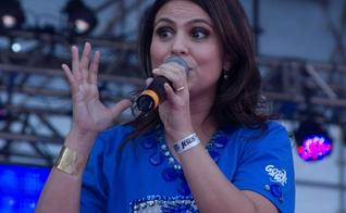 Sucesso da música gospel, Aline Barros é uma das participações musicais aguardadas para esta edição da Marcha para Jesus, em 2016. (Foto: UOL)