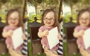 Com a ajuda de sua filha de apenas 1 ano e 3 meses, a pequena Emersyn Faith, a mãe Courtney Baker colocou a carta na caixa do correio, no final de maio. (Imagem: In USA News)