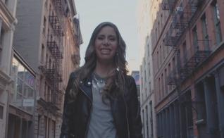 """O clipe de """"Deus Vai Realizar Meus Sonhos"""" foi gravado em Nova Iorque (EUA) com a direção de Marco Tulio. (Foto: Divulgação)."""
