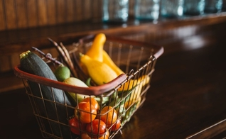 É preciso checar se os elementos corretos estão presentes na alimentação diária. (Foto: Reprodução)