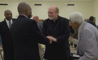 Um promotor americano pediu ajuda das igrejas para combater a criminalidade. (Foto: WSFA 12 News)