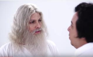 Cena do vídeo 'Céu Católico', do Porta dos Fundos. (Imagem: Youtube)