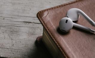 É possível escutar a voz audível de Deus nos dias atuais? Pastores esclarecem. (Foto: Reprodução)