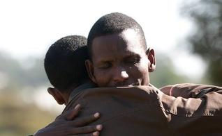 Imagem ilustrativa. Evangelista prega para tribo que matou seu filho e perdoa criminosos. (Foto: Global Disciples)
