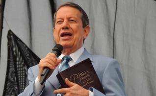 RR Soares é o líder da Igreja Internacional da Graça de Deus e dono da emissora RIT TV, com sede em São Paulo. (Foto: RIT TV)