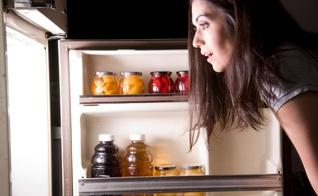 Mais de 2 milhões de bactérias podem ser encontradas em geladeiras. (Foto: Chris Boswell/Getty Images/iStockphoto)
