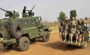 Tropas nigerianas resgatam sequestrados pelo Boko Haram. (Foto: Reprodução/Daily Post)