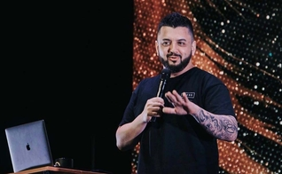 O pastor Leandro Barreto é líder da Poiema Church, em Taubaté (SP). (Foto: Reprodução/Instagram)
