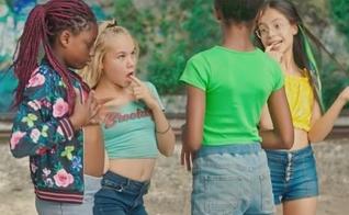 """Lançado na Netflix, o filme francês """"Cuties"""" (""""Lindinhas"""") está sendo acusado de erotizar garotas de 11 anos e promover a pedofilia. (Imagem: Reprodução)"""