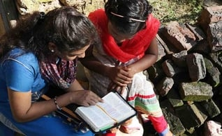 Mulheres cristãs indianas em um estudo bíblico. (Foto: Reprodução / Open Doors USA)