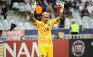 O goleiro do Paris Saint-Germain, Keylor Navas, diz que se baseia na Bíblia para manter o equilíbrio. (Foto: LP/Guillaume Georges)