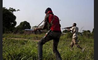 Homens armados invadem localidades no sul da Nigéria. (Foto: Middleeastpress)