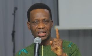 O pastor Dare Adeboye. (Foto: Reprodução / Guardian Nigéria)