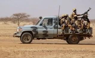 O governo de Burkina Faso tem encontrado muitas dificuldades para combater a atual onda de violência por militantes islâmicos. (Foto: AFP)
