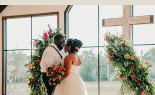 A satisfação matrimonial é maior entre casais cristãos do que casais não-cristãos, de acordo com uma pesquisa da Barna Group. (Foto: Reprodução/Facebook).