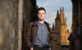 Joshua Sutcliffe, 31 anos, foi multado por fazer evangelismo na pandemia. (Foto: Darren Jack)