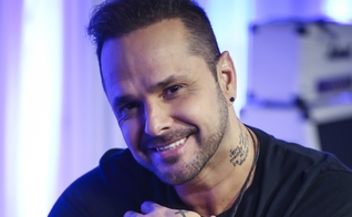 """Atualmente, Tchelo Ferrer lançando seu CD gospel, """"Nunca Deixe de Sonhar"""". (Foto: Divulgação)"""