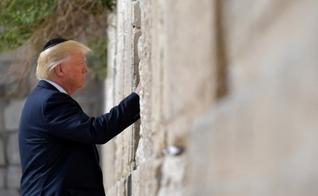 Donald Trump visita o Muro das Lamentações, na Cidade Velha de Jerusalém. (Foto: AFP/Mandel Ngan)