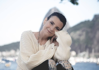 Lutando contra um câncer no pulmão, Ludmila Ferber se tornou um exemplo de fé e superação. (Foto: Reprodução/Facebook)