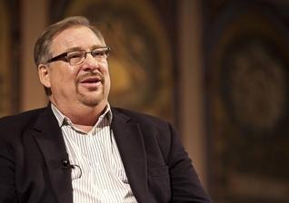 """Rick Warren é pastor da Igreja Saddleback e autor do livro """"Uma Vida com Propósitos"""". (Imagem: Christian Post)"""
