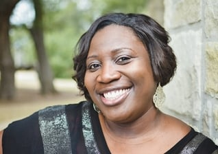 """Latasha Morrison é idealizadora do projeto de reconciliação racial nas igrejas, chamado """"Be the Bridge"""" (""""Seja a Ponte""""). (Foto: Christianity Today)"""