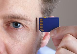Conectar cérebros à nuvem será realidade, segundo diretor do Google. (Foto: Thinkstock)