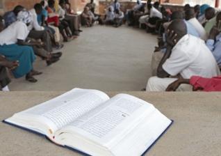 """Quem prega o Evangelho no Sudão é acusado de fazer """"lavagem cerebral"""" na população. (Foto: Portas Abertas)"""