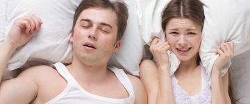 Pessoas que roncam tem mais chances de ter mau hálito
