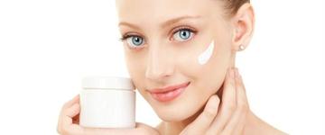 Veja como ter uma pele viçosa com os cuidados recomendados em casa