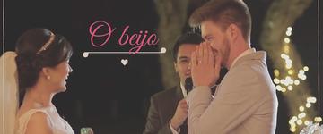 Casal que escolheu dar o primeiro beijo no altar conta sua história de amor