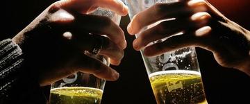 """""""Apenas 3 litros de cervejas por dia são suficientes para causar câncer"""", afirmam cientistas"""