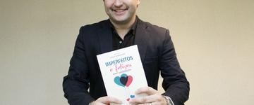 Pastor Mac Anderson lança o livro 'Imperfeitos e Felizes', em Goiânia