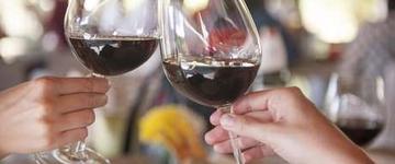 Segundo pesquisa, vinho tinto reduz risco de câncer