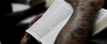 28 milhões de pessoas afirmam ler a Bíblia, aponta organização da FLIC