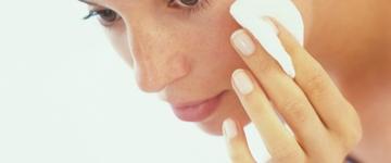 Dermatologista ensina como cuidar da pele antes e depois da malhação