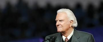 """Billy Graham ensina como começar a ler a Bíblia: """"Aos poucos, com calma e de forma sistemática"""""""