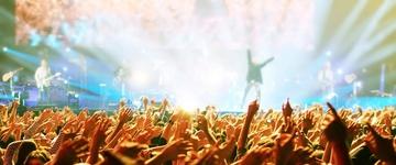 """""""Líderes de adoração não são estrelas do rock"""", alerta pastor americano"""